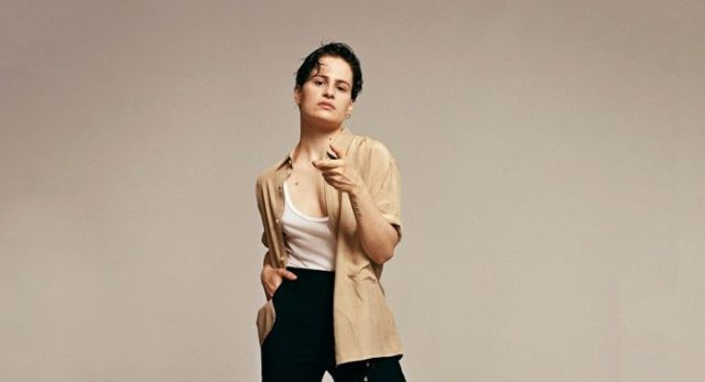 christine-and-the-queens-696x378