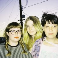 Vivian Girls: Something To Do